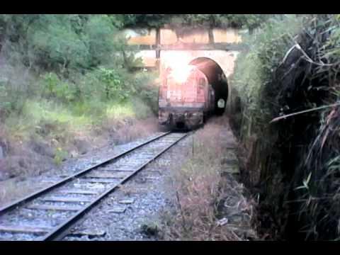 🚅G12 #3667 ex fepasa G12M #4179 escoteiras atravessando o túnel em direção a Divinopolis MG....