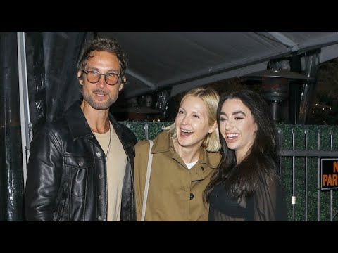 Kelly Rutherford Enjoys A Night Out With Friends At Giorgio Baldi