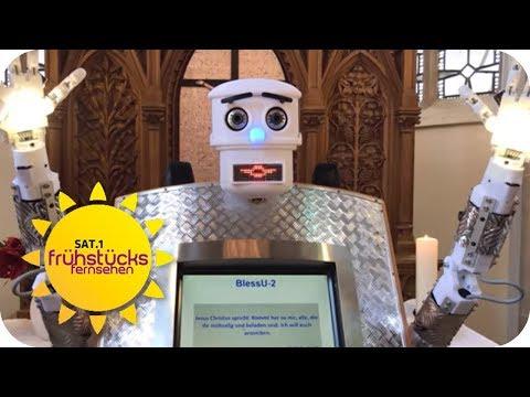 Gottes Segen per Roboter: Moderne Kirche oder absoluter ...