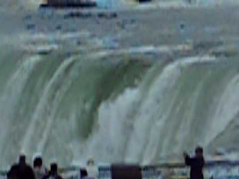 Gia Na Dai - THAC' NUOC' VI~ DAI. - Niagara Canada