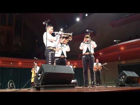 El Señor Trompetas Mariachi Sol de Mexico