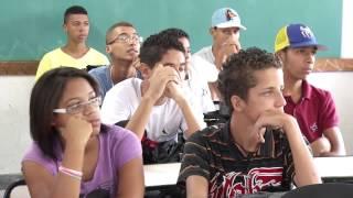VÍDEO: Volta às aulas 2014: mais de 2,2 milhões de alunos iniciarão os estudos nesta segunda-feira