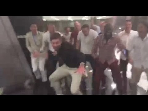 GERRARD & LIVERPOOL SQUAD DANCE & SING TOURE SONG - LFC TRIP TO DUBAI