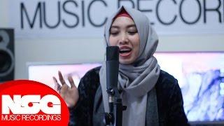 Video Harris J - Salam Alaikum | Sarah Cover MP3, 3GP, MP4, WEBM, AVI, FLV Oktober 2017