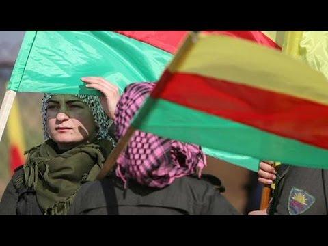 Αυτόνομη ομοσπονδία ανακήρυξαν οι Κούρδοι της Συρίας