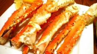 Baked King Crab Legs with Garlic Lemon Butter Sauce