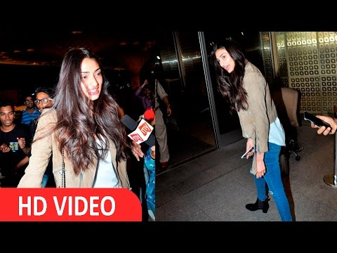 Athiya Shetty Spotted At International Airport For IIFA Awards