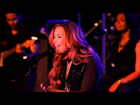 Demi Lovato - Give Your Heart A Break [intimate Performance]