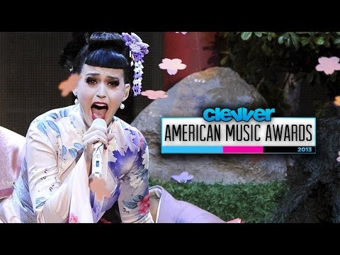 "Katy Perry Geisha ""Unconditionally"" Performance at American Music Awards 2013"