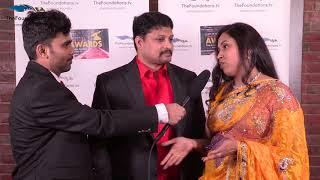 Anchor Manoj speaks to Karthik and Sreedevi on the FTV Red Carpet