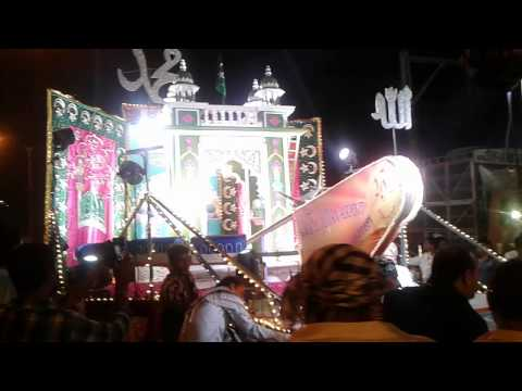 Video Makhdoom shah baba ka sandal mori road mahim se download in MP3, 3GP, MP4, WEBM, AVI, FLV January 2017