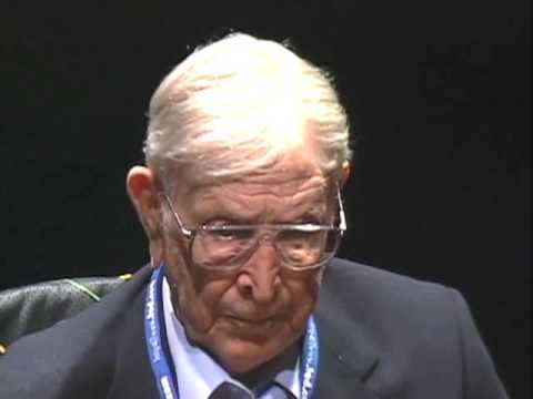 wooden - http://www.ted.com With profound simplicity, Coach John Wooden redefines success and urges us all to pursue the best in ourselves. In this inspiring talk he ...