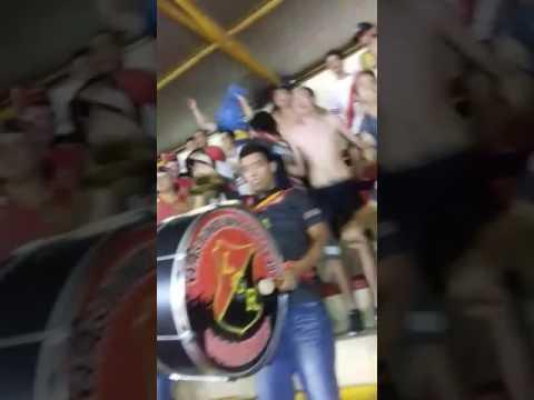 Una parte de la fiesta que es la hinchada del Rojinegro - Los Rojinegros - Rangers de Talca
