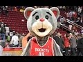 Rockets' Mascot Shows Up Dwight Howard With ...