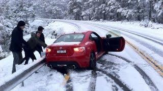 Nonton WINTER CAR crash - Snow FAILS compilation ❄ Film Subtitle Indonesia Streaming Movie Download
