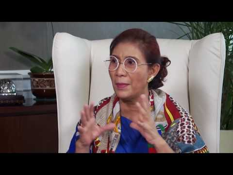 Susi Pudjiastuti - WWF Awards (Bag. 1)