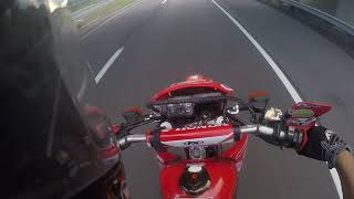 9. Highway ripping on xr650l