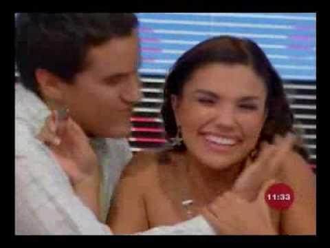 Venga la alegria, Mauricio le da un beso a Tabata