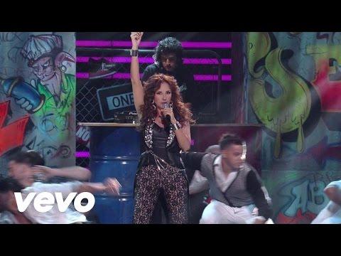 Amrica Sierra - Porque El Amor Manda (Premios Lo Nuestro 2013) ft. 3BallMTY