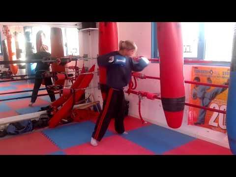 Elisa qualizza fighter lavoro al sacc in preparazione per il mondiale 2011