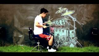 Suona batteria disegnata| sul muro, il video