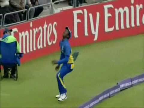 Spectacular run out | Dravid - Jayasuriya