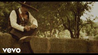 video y letra de A los cuatro vientos por La Arrolladora Banda El Limon