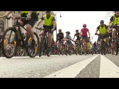 Fahrradfahren: Tausende feiern 8. Wiener Radparade