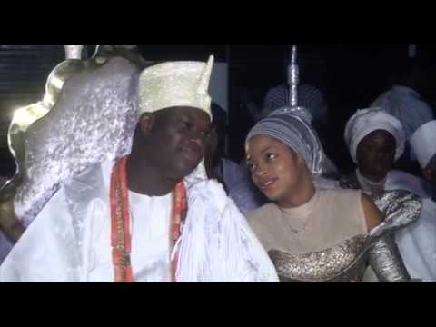 See how  Ooni Ogunwusi's Olori Naomi  watch closely as different damsels parade in front of her love