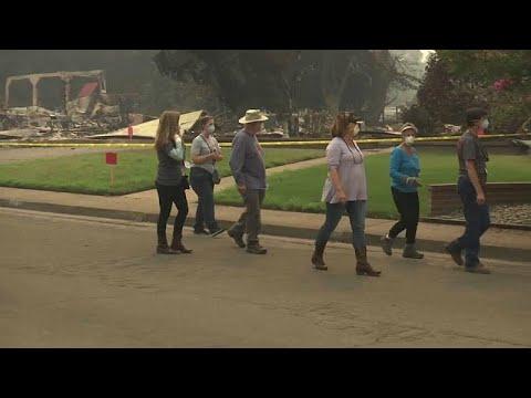 Καλιφόρνια: Πυροπαθείς επιστρέφουν στα σπίτια που εγκατέλειψαν…