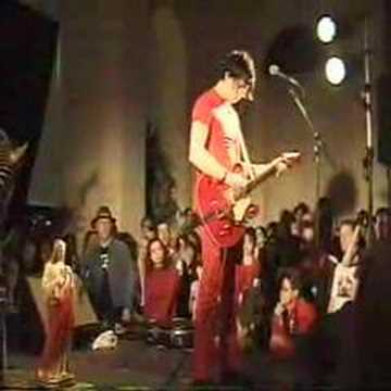 screwdriver - An amazing performance of Screwdriver by The White Stripes. This performance is an excellent example of the intuitive connection between Jack and Meg. From t...