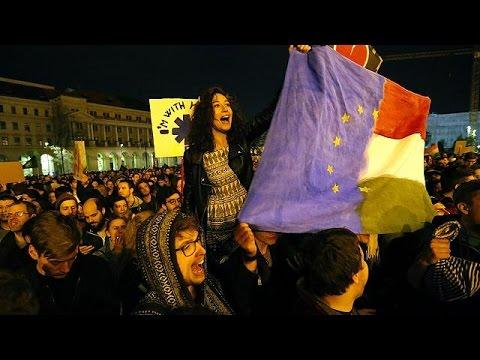 Μαζική αντικυβερνητική διαδήλωση στη Βουδαπέστη