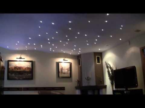 Oświetlenie salonu na suficie