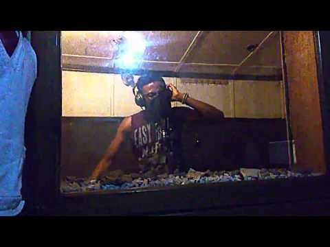 MY D FEATURING YUNG EEZY AND POSLY TD STUDIO SESSION PART 2.1(directed by LasgidiBully TV