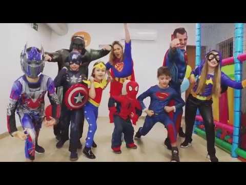 Kostüme für die ganze Familie