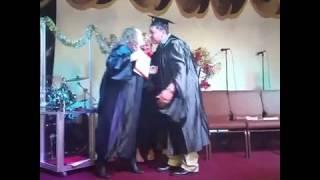 Entrega de diplomas de tercer año en Amor y Paz Por IBASI