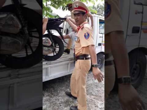 Cảnh sát giao thông CA tỉnh Vĩnh Phúc bàng hoàng khi gặp phải soái ca SH được ăn học Luật.....