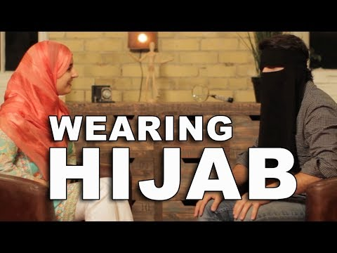 Guy asks hijab-wearing Muslim woman questions most of us want to ask