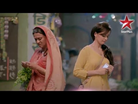 Mere Angne Mein: Will Shaantidevi accept Riya in h
