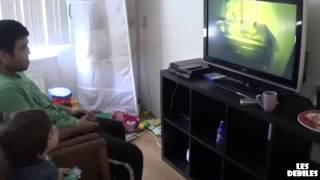 Aż go wyj*bało z fotela! Grasz sobie z synem na PS4 a tu taka niespodzianka!