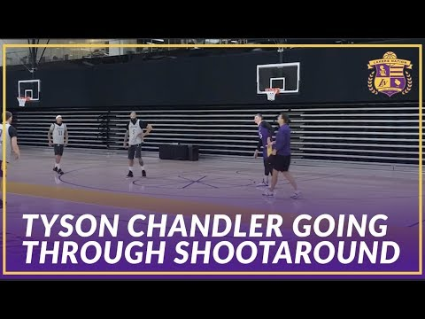 Video: Lakers Practice: Luke Walton Runs Tyson Chandler Through Offensive Sets Before First Game As a Laker