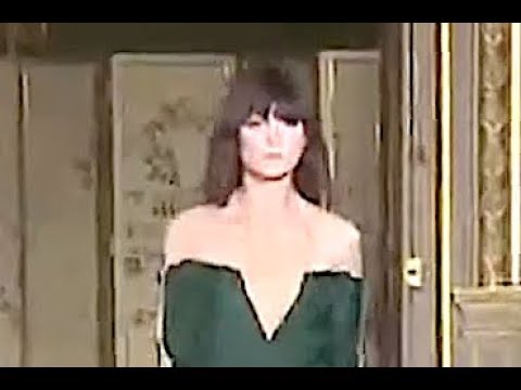 ANNE VALERIE HASH Fall 2012 2013 Paris - Fashion Channel видео