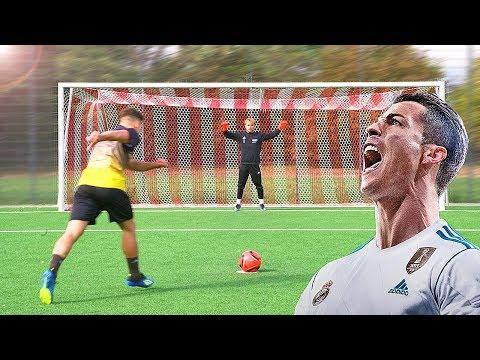 13 TYPES OF PEOPLE WHO PLAY FOOTBALL (SOCCER) - Thời lượng: 3 phút, 53 giây.
