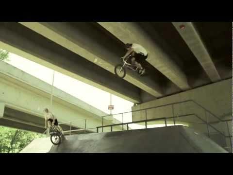 BMX Skate Park Edit (A-TÉM) w/ Blake Parra