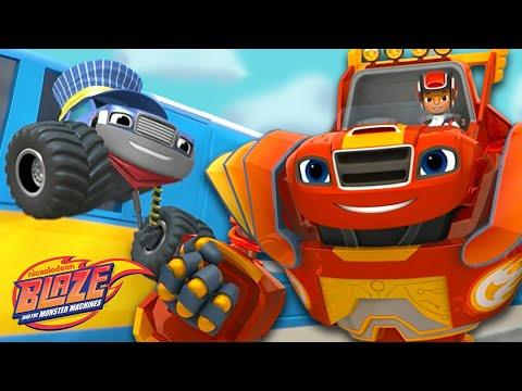 Robot Blaze Stops the Runaway Train! | Blaze and the Monster Machines