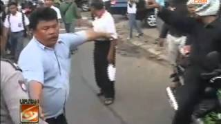 Video BUS Diserang Pelajar Di Matraman, Penumpang TAKUT! KERNET Ngamuk! MP3, 3GP, MP4, WEBM, AVI, FLV Mei 2017