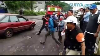 Video NGERI BANGET! Lihat baik-baik truk di Pasuruan ini MP3, 3GP, MP4, WEBM, AVI, FLV Februari 2018