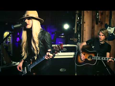 """Orianthi """"Heaven in this Hell"""" At: Guitar Center"""