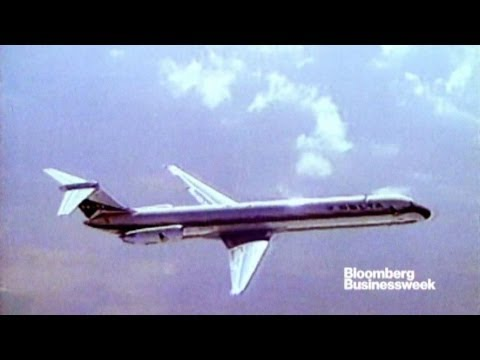 dc9 - Jan. 6 (Bloomberg) -- A long era in U.S. aviation is ending. The last Douglas Aircraft DC-9 airplane in the U.S. commercial fleet makes its final journey Mon...