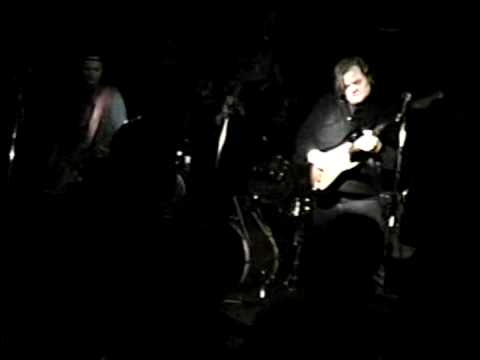 philmarcade - The Senders Live at Maxwell's, Hoboken, 1992 Lonesome Train ( this one 's a bit dark, you really can't see much.. sorry.) Phil Marcade: vocals Wild Bill Thom...